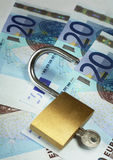 1 euro låser rikedom upp Royaltyfri Foto