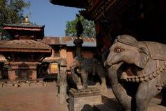 1 för nepal för changu hinduiska narayan tempel stupa Arkivbilder
