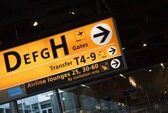 1 flygplatsbrädeallsång Arkivbild