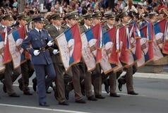 1 gammala serbiska soldat för arméflaggor Royaltyfri Bild
