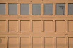 1 garaż czerwone drzwi zdjęcie stock
