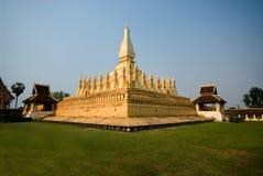 1 guld- laos stupa Royaltyfria Bilder