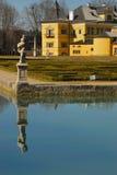 1 hellbrunn没有宫殿池塘 免版税库存照片