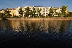 1 houses ingen flod Arkivfoton