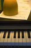 1 instrumentmusikalpiano Arkivfoton