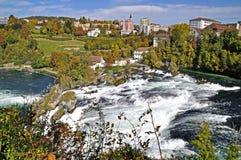 1 kaskadrhine flod Arkivbilder