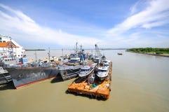 1 krigsskepp för hamnklangmalaysia port Royaltyfri Foto