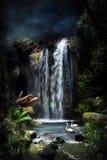 1 magical vattenfall för skog Arkivfoto