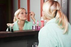 1 mascara κοριτσιών Στοκ εικόνα με δικαίωμα ελεύθερης χρήσης