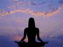1 meditationmorgon Arkivfoton