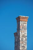 1 mot stenen för sky för blå lampglasclear den högväxt djupa Arkivfoton