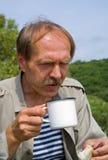(1) napoju mężczyzna herbaciani Obrazy Royalty Free
