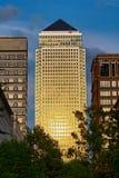 1 quadrado de Canadá, cais amarelo, Londres, Inglaterra Fotografia de Stock Royalty Free