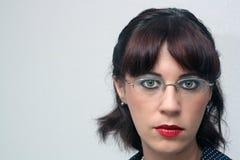 1 retro utvikningsbrud för glasögonflickaheadshot Arkivfoto