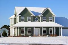 1 snöig hus Arkivfoton