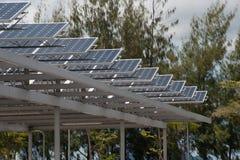 1 sol- tak för bilcellpark Fotografering för Bildbyråer