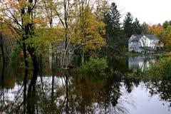 1 som ut översvämmas arkivbild