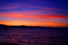 1 tahoe захода солнца озера стоковое изображение rf