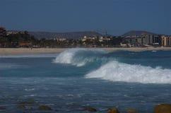 1 vague déferlante de visibilité directe Mexique de côte de cabos d'azul Photo libre de droits