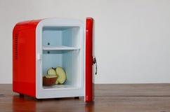 10个冰箱微型红色 免版税库存图片