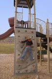 10 anni sulla parete rampicante Immagini Stock