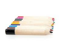 10 bunte Bleistifte nebeneinander Stockfotografie