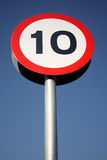 10 mph sign Στοκ Φωτογραφίες
