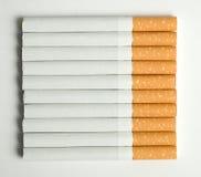 10 Zigaretten Stockfoto