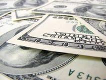 100个票据现金获得的坚硬 免版税图库摄影
