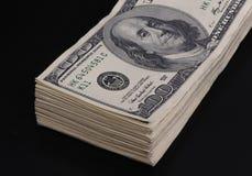 100个票据美元一团 免版税库存图片