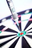 100 σύριγγες δολαρίων dartb κολλημένες μέσα Στοκ Εικόνες