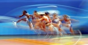 100 женщин метров барьеров Стоковые Фотографии RF
