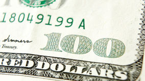 Макрос близкий вверх долларовой банкноты США 100 Стоковая Фотография