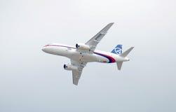 100 airlpane俄语superjet 免版税库存图片