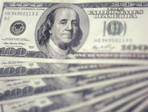 $100 bankbiljettenachtergrond. Royalty-vrije Stock Fotografie