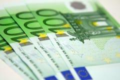 100 billetes de banco euro Fotografía de archivo