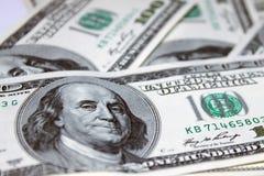 100 dólares da parte dianteira das notas de banco Imagens de Stock