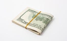 100 de dollar van de V.S. die op witte achtergrond wordt geïsoleerdu Stock Fotografie