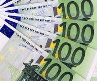 100 Euro-Hintergrund Lizenzfreie Stockfotografie