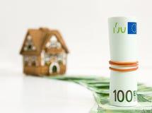 100 euros hus Fotografering för Bildbyråer