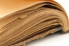 100 gammala sidaår för bok Arkivfoton