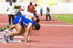 100 Meter der Frauen sprinten (verwischt) Lizenzfreies Stockfoto