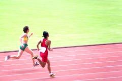 100 metrów nadwyrężonych osób jest wizualnie kobiet Zdjęcie Stock