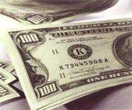 100 rachunków dolara pieniądze Zdjęcia Royalty Free