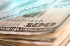 100 USD impilano la macro Immagini Stock Libere da Diritti