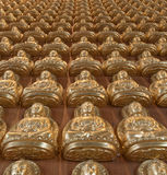 10000 Buddha dorato in tempiale cinese Fotografia Stock Libera da Diritti