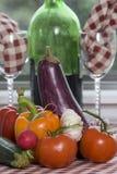 1001 Gemüse auf der Tabelle stockbilder