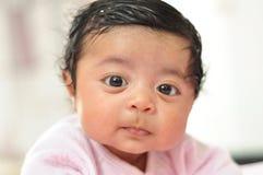 100day可爱的女婴 免版税库存图片