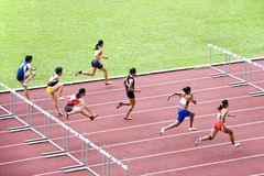 100m Hindernissen van vrouwen Royalty-vrije Stock Afbeeldingen