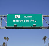 101 Hollywood Fwy con le palme Fotografia Stock